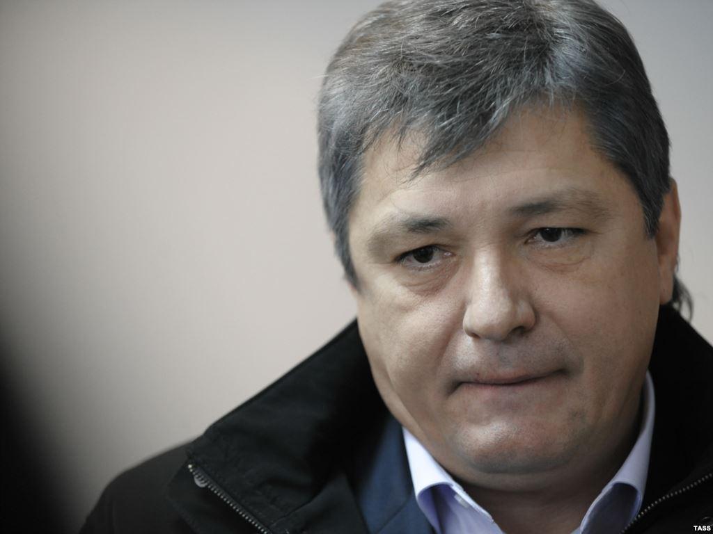 Oleg Voronin, fiul liderului PCRM, ar putea fi unul dintre acţionarii băncilor blocaţi de BNM