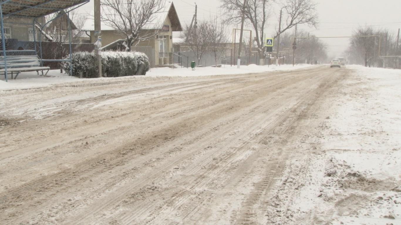 VIDEO | Drumuri necurățate la Bălți și nu numai
