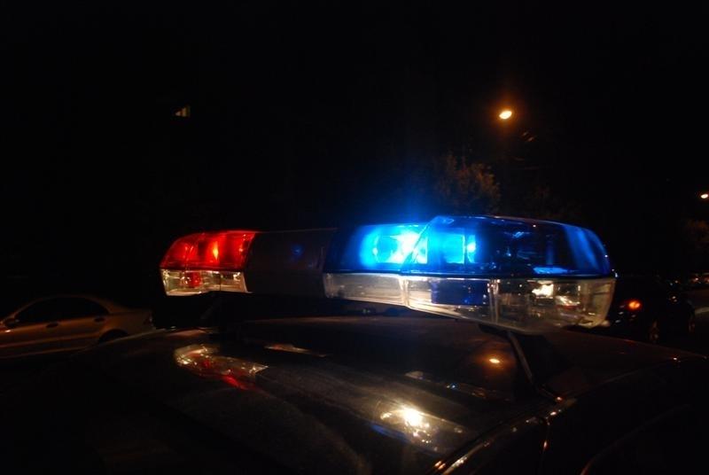 """Patru tineri din Fălești au răpit un automobil  din curtea """"Moldtelecom""""-ului"""