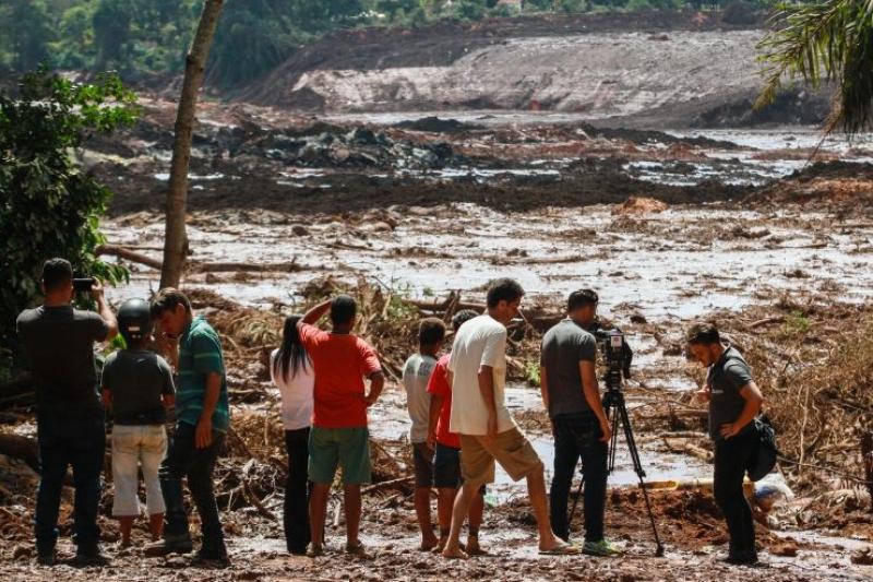 Cel puţin 99 de persoane au murit în urma ruperii barajului minier din Brazilia