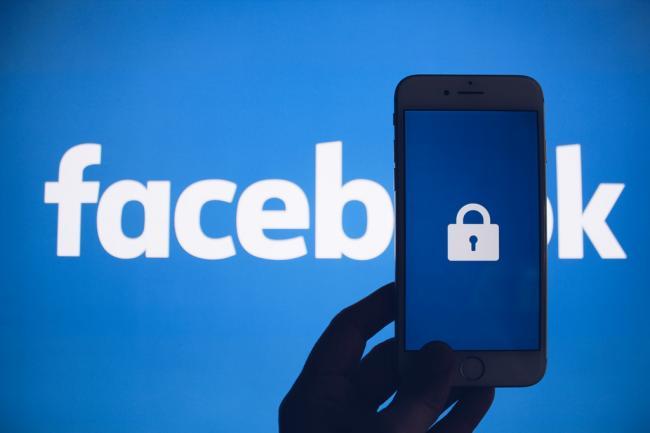 Facebook a închis peste 250 de conturi false care vizau influenţarea alegerilor din diverse ţări