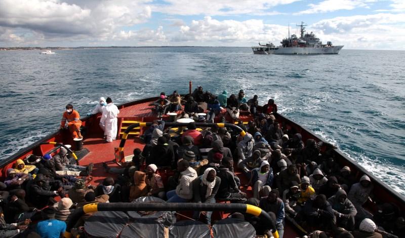 Migranţi pe Mediterana: Comisia Europeană le cere mai multă solidaritate ţărilor membre ale UE