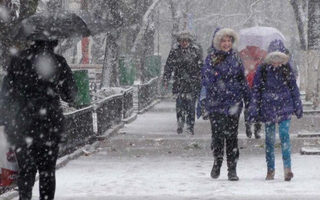 Ninge în toată țara. De Crăciun pe stil vechi temperaturile scad până la -11 grade Celsius