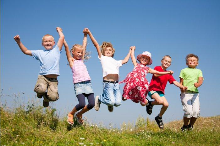 Minorii vor beneficia de alocaţii lunare
