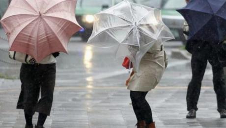 Meteorologii au anunţat Cod Galben de vânt puternic