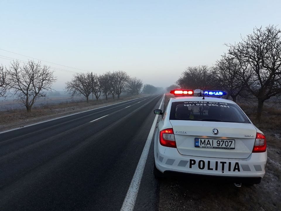 Peste 300 de șoferi sancționați de polițiștii de patrulare în acest weekend
