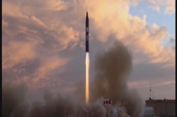 Iranul a prezentat o nouă rachetă de croazieră, cu prilejul aniversării a 40 de ani de la Revoluţia islamică