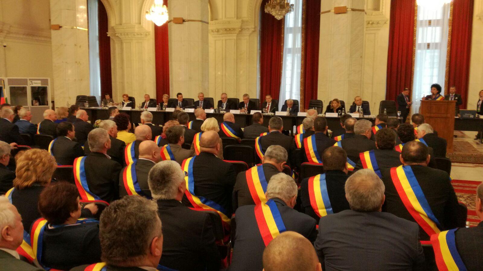 Sute de primari din România și R. Moldova se întâlnesc la București