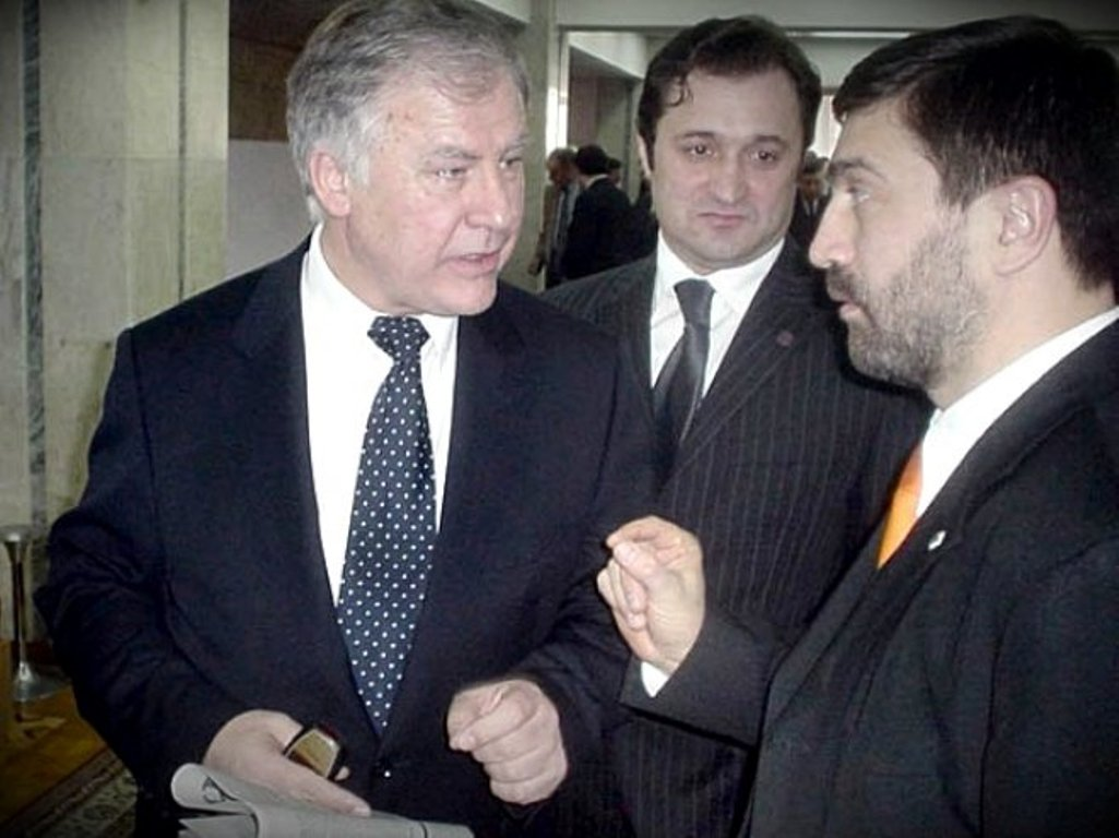 Anatol Moraru // Totuși, cu cine votăm?