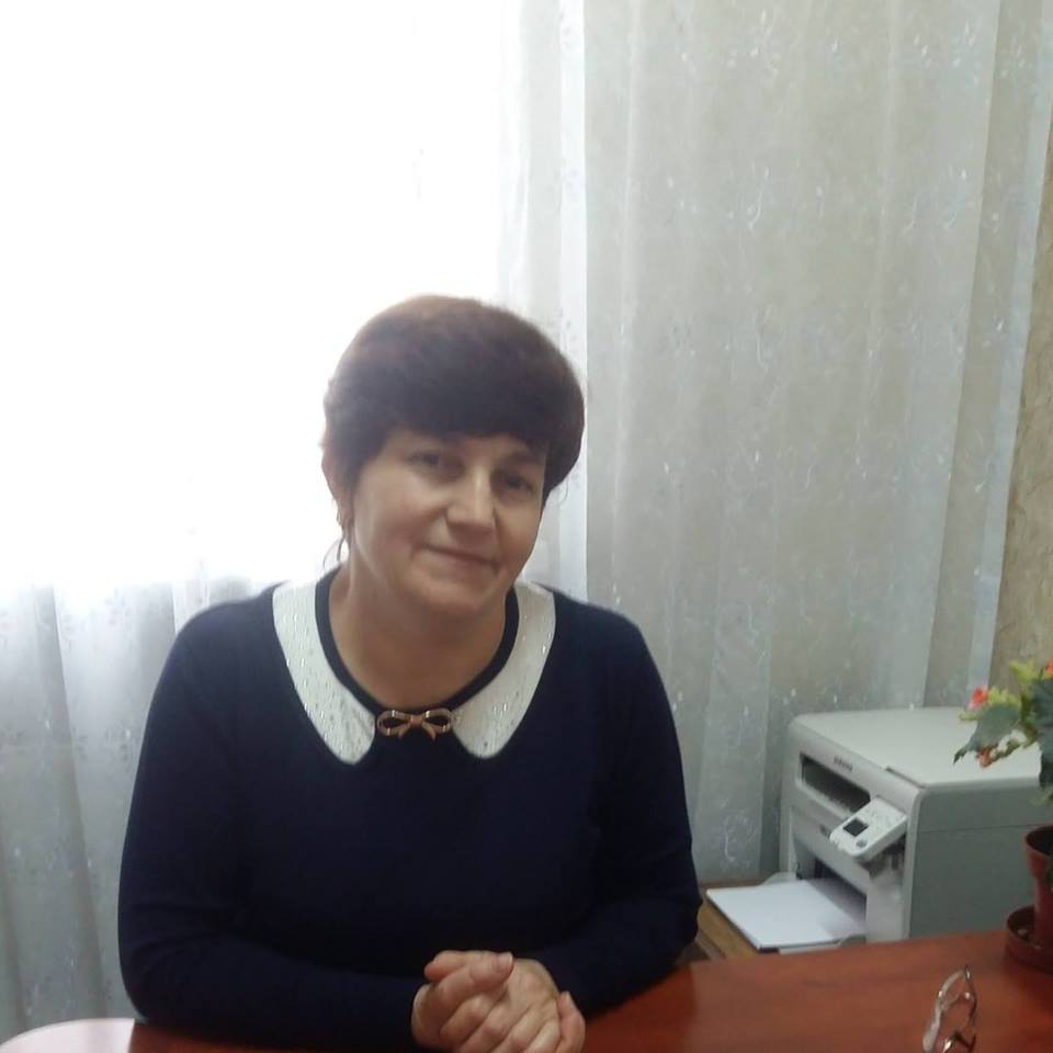 Cum sora președintelui raionului Fălești reușește să activeze concomitent în trei instituții