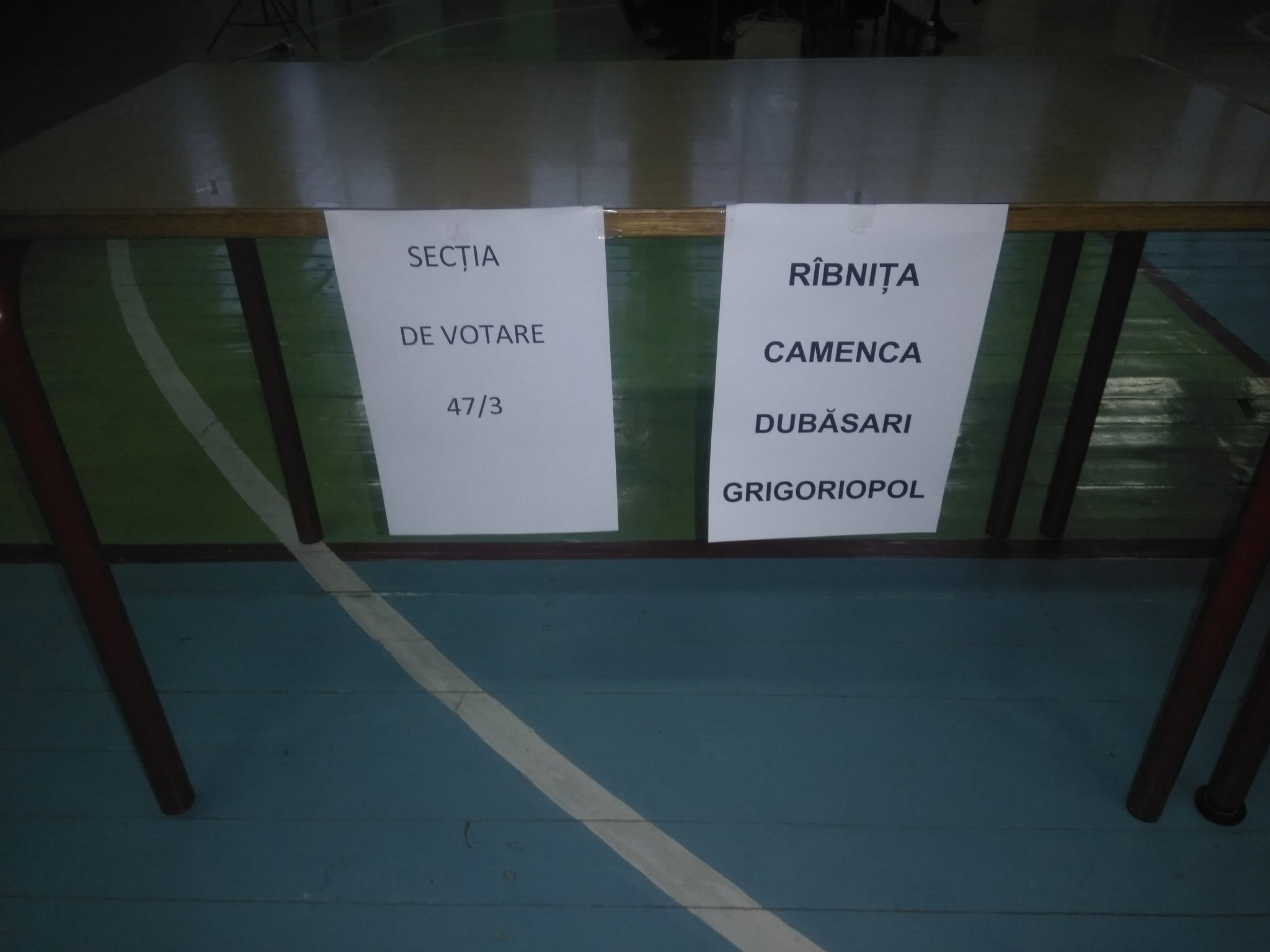 La cele patru secții de votare din Bălți, deschise pentru cetățenii din stânga Nistrului s-ao prezentat 10 alegători