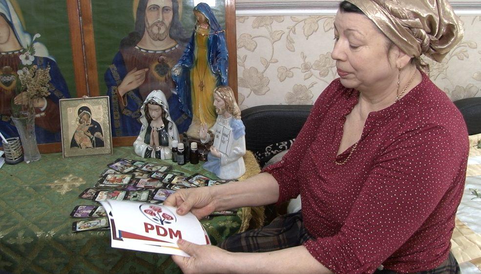 VIDEO | Prezicătoarea Anghelina din Bălți consideră că Partidul Democrat va câștiga alegerile