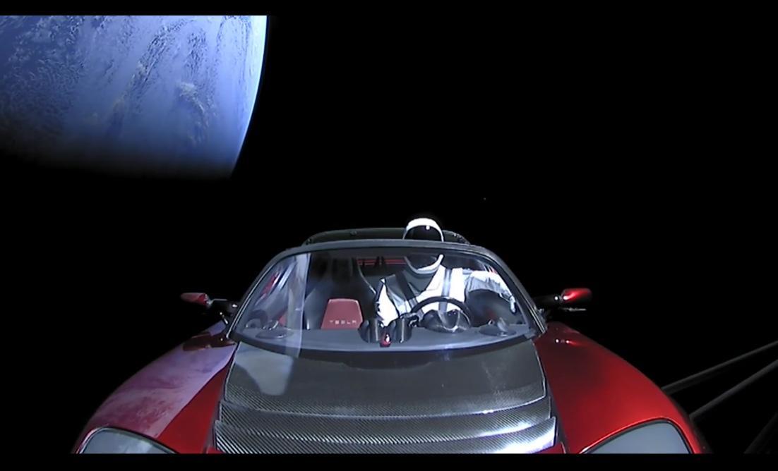 """Un an de la momentul istoric """"Tesla în spațiu"""". Unde se află acum Roadster-ul lui Elon Musk"""