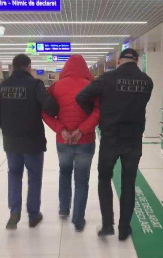 Un moldovean a fost extrădat din Italia! Acesta e suspectat de trafic de copii