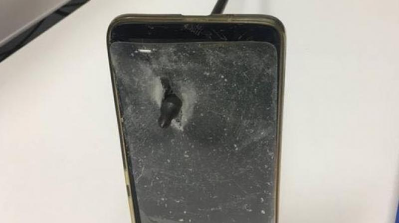 Telefonul mobil i-a salvat viața unui bărbat
