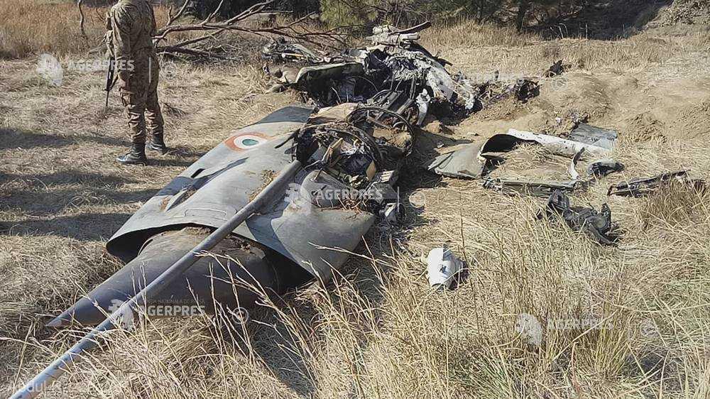 """Pakistanul va elibera pilotul indian capturat ca """"gest de pace"""""""