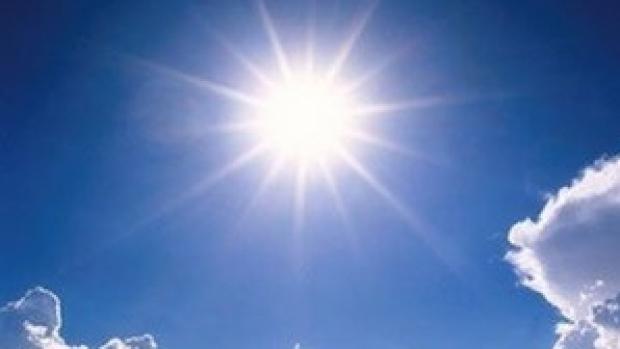 Mâine se așteaptă să fie cea mai caldă zi, de la începutul acestui an. Cum va fi vremea în următoarele trei zile de weekend