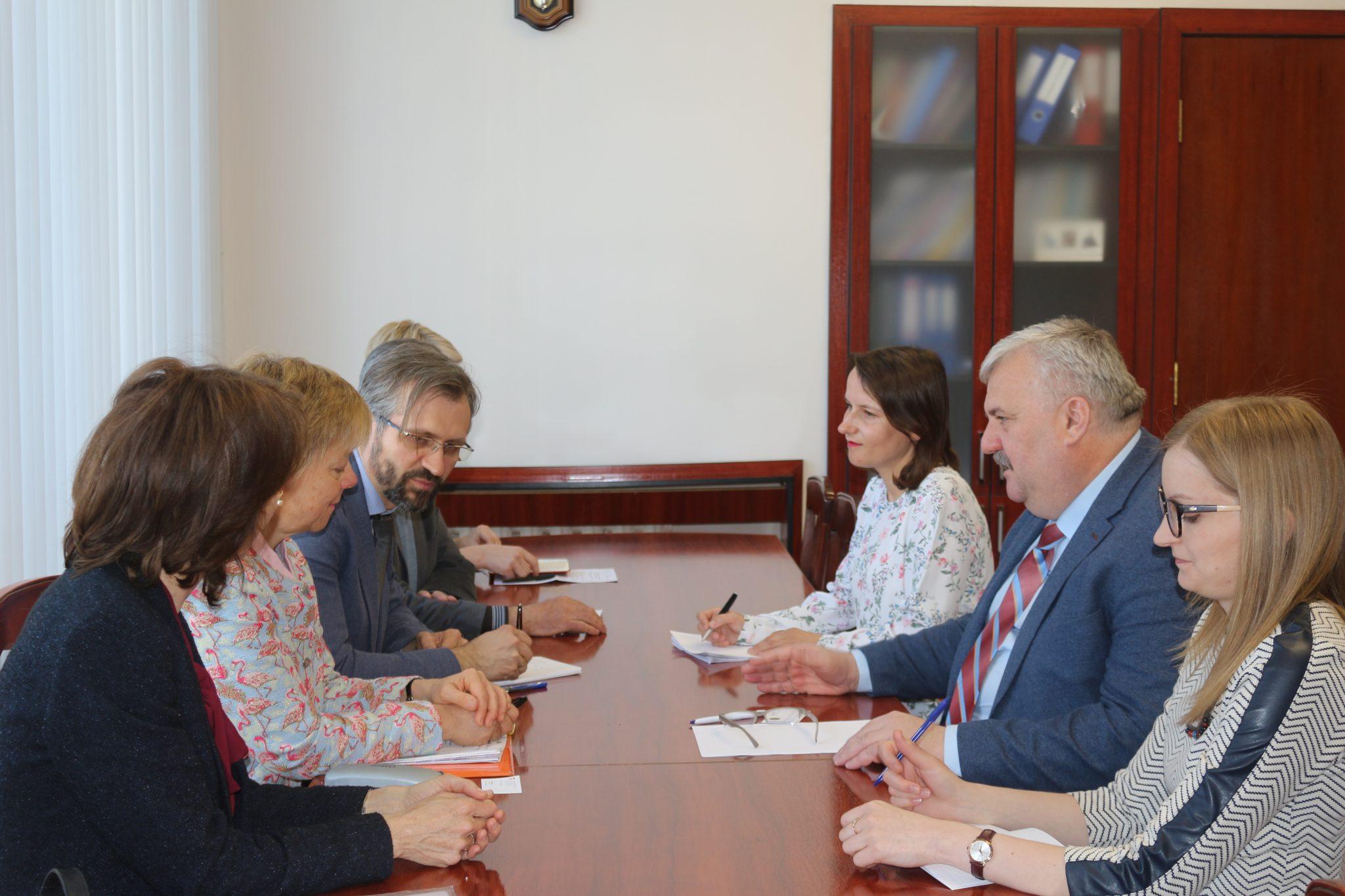 FOTO | Secretarul general de stat Igor Șarov a avut o întrevedere cu șefa Diviziunii Eurasia din cadrul Agenției Elvețiene pentru Dezvoltare și Cooperare, Barbara Böni