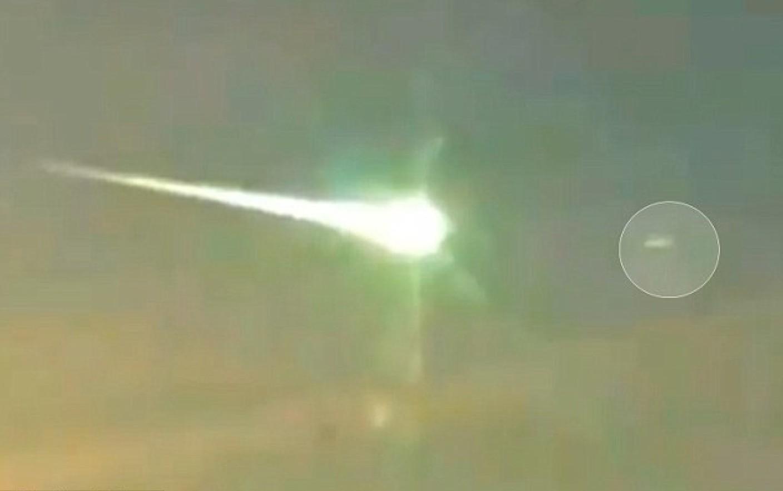 VIDEO   Încă un meteorit uriaş a explodat în Siberia. Este al treilea în ultimele patru luni. Imaginile care au provocat panică în rândul populaţiei