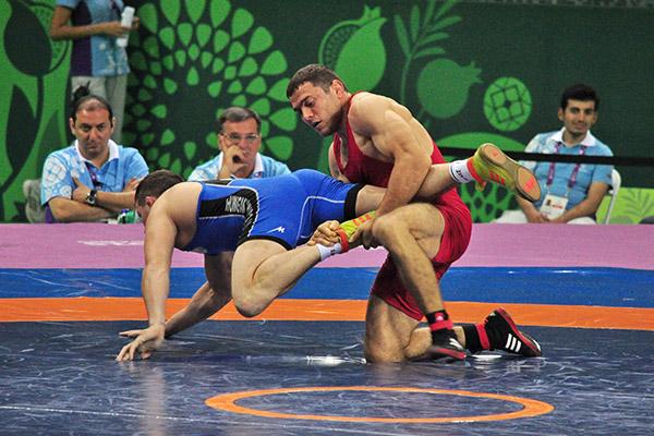 Piotr Ianulov va lupta în finala Campionatului European