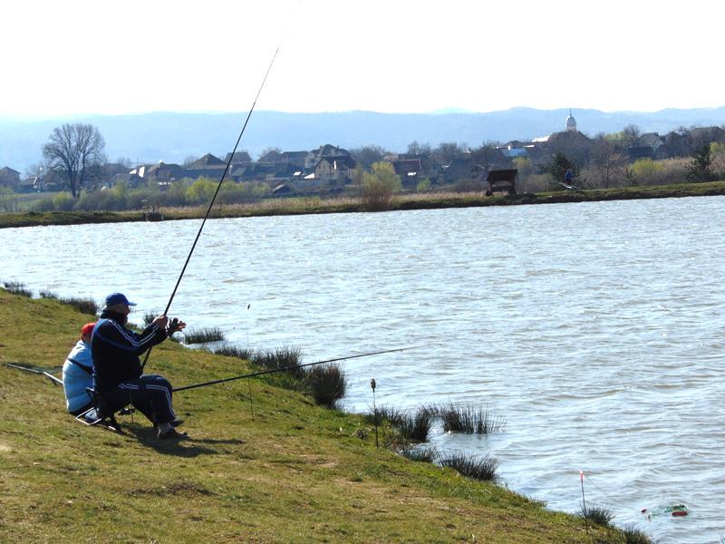 Începând cu 5 aprilie, pescuitul va fi interzis timp de două luni