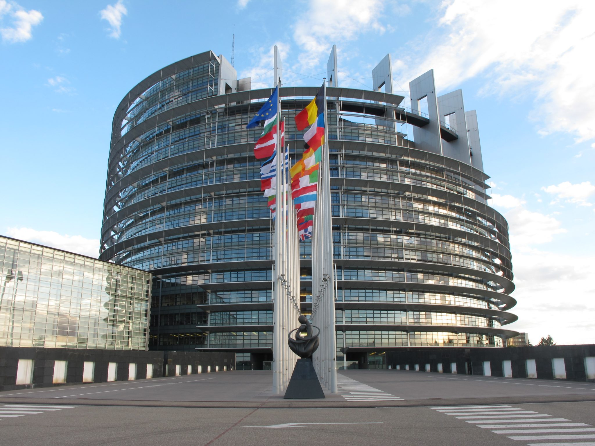 Parlamentul European a votat un proiect legislativ ce condiţionează acordarea fondurilor europene de respectarea statului de drept