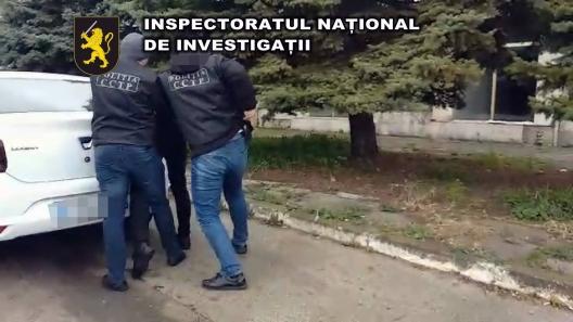 VIDEO | Trei bărbați, reținuți pentru organizarea migraţiei ilegale a moldovenilorîn Germania