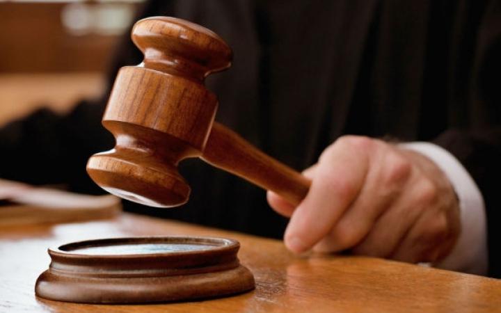 Doi bărbaţi din Briceni, condamnaţi la pedepse similare pentru violul vecinelor minore