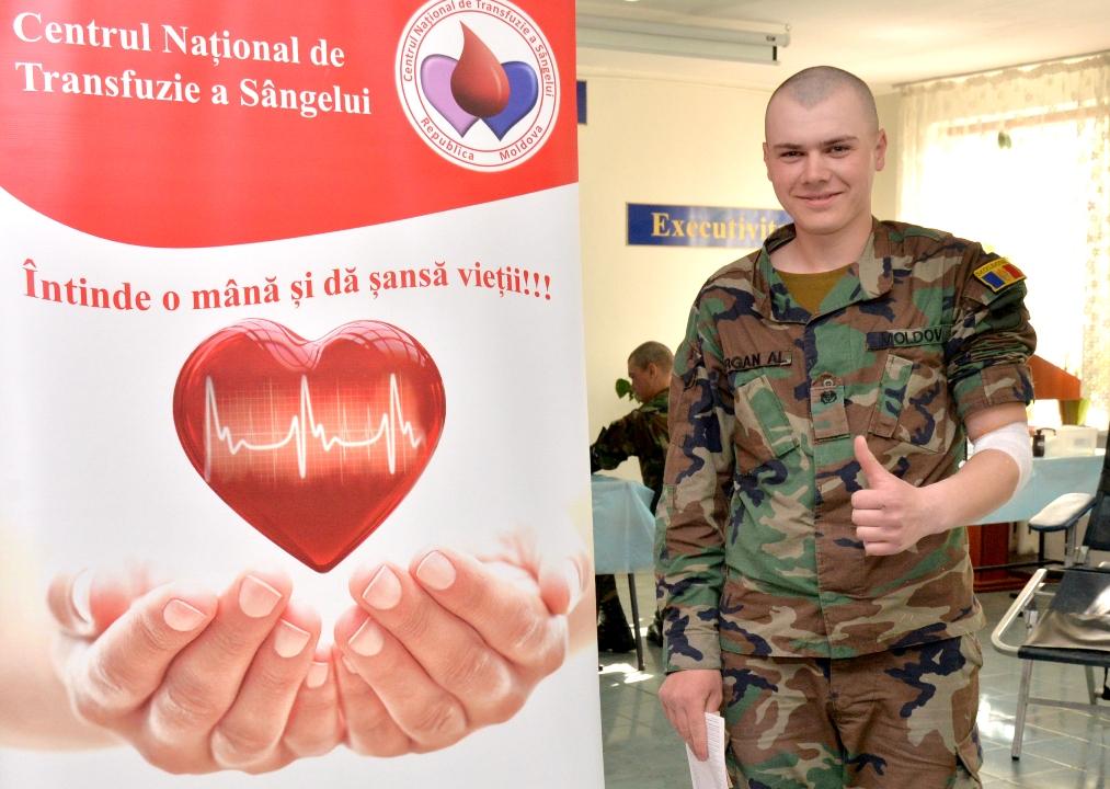FOTO | Cu aproape trei săptămâni înaintea Paștelui, militarii Armatei Naţionale au donat sânge