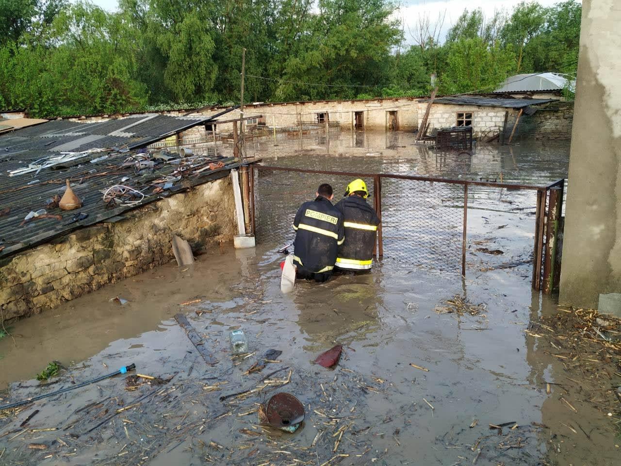 Inundații în urma ploilor puternice din ultimele zile