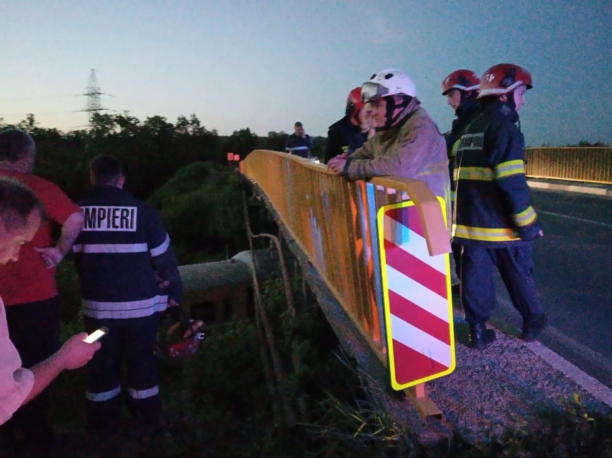 VIDEO   Intervenția salvatorilor pentru deblocarea unui tren în apropierea municipiului Bălți