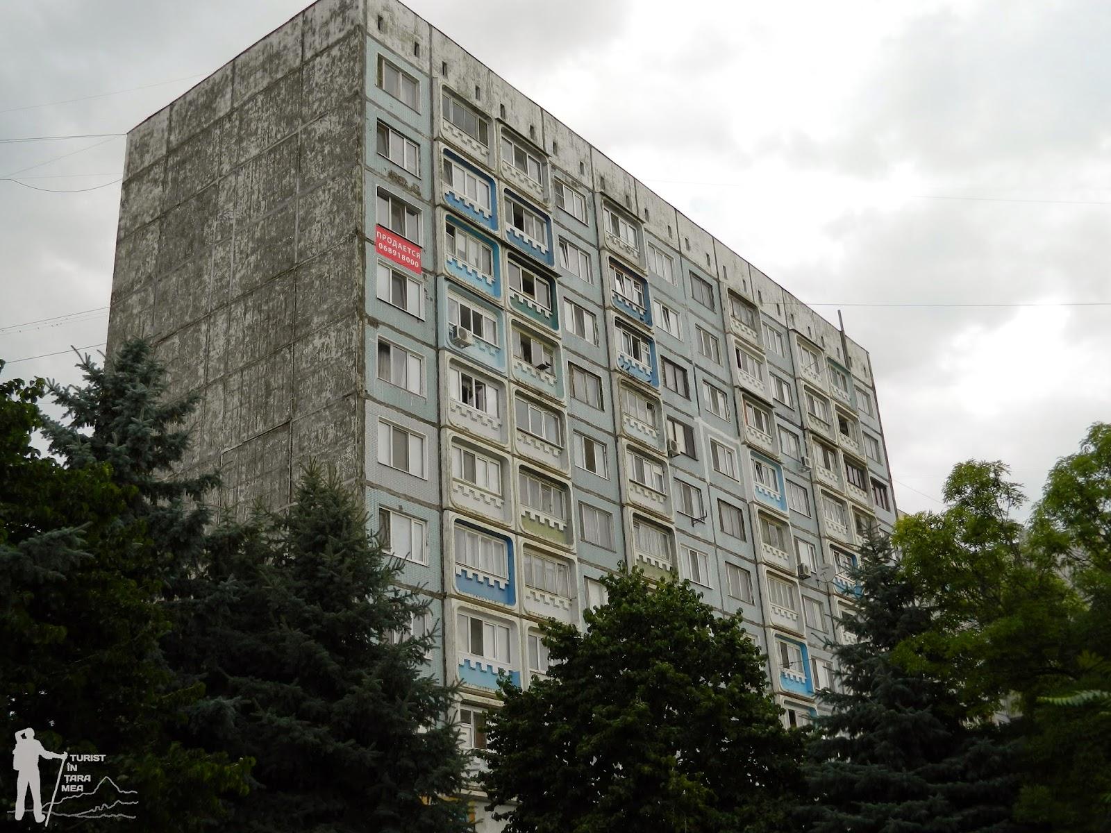 O bătrână de 90 de ani din Bălți a căzut de la etajul 9