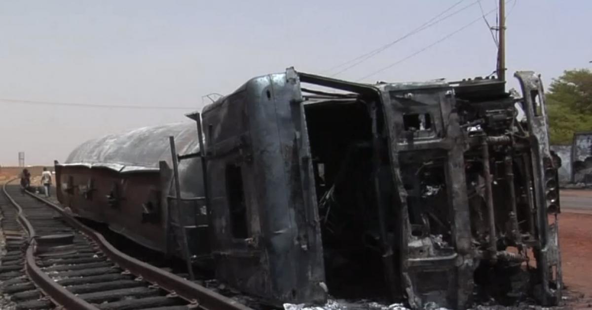 Niger | 58 de oameni au murit și 37 au fost răniți după ce cisterna din care furau combustibil a explodat