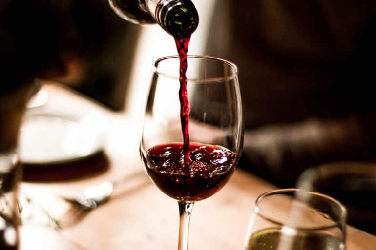 Statele baltice au de gând să reducă accizele la alcool