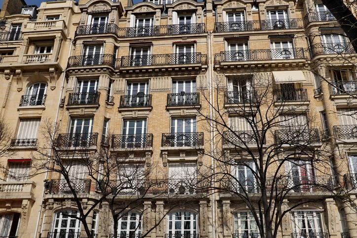 Un tânăr moldovean, student la Paris, a fost ucis cu bestialitate în camera sa de cămin