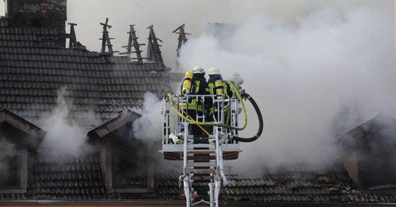 Incendiu într-un IMOBIL din vestul Germaniei în care a murit o persoană şi alte 13 au fost rănite