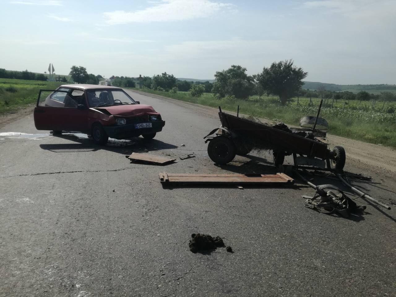 FOTO | Accident dintre o mașină și un atelaj în satul Prepelița, Sîngerei
