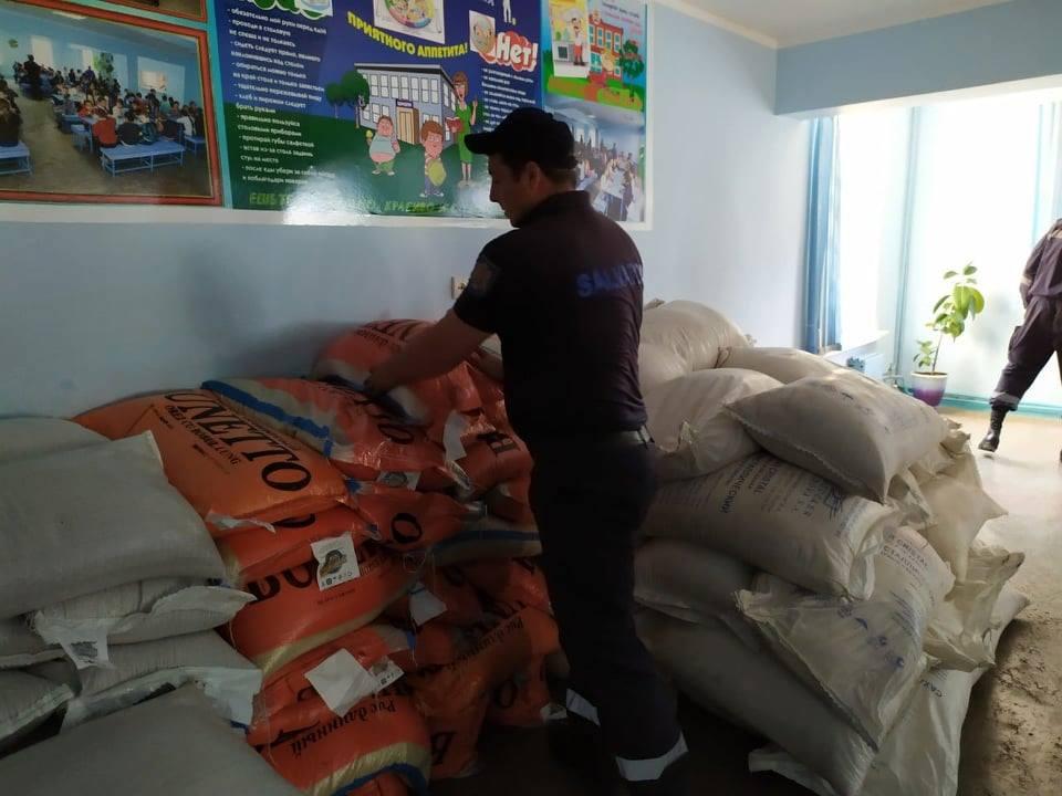 Sinistrații la Otaci, asigurați cu ajutor umanitar din partea Guvernului