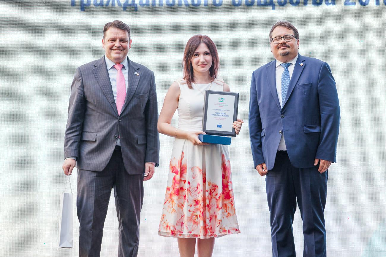 FOTO | Șase organizații ale societății civile, premiate de Delegația UE pentru contribuții tangibile la dezvoltarea Republicii Moldova și îmbunătățirea vieții oamenilor