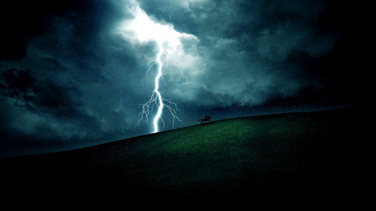 Cod galben de furtuni în toată țara