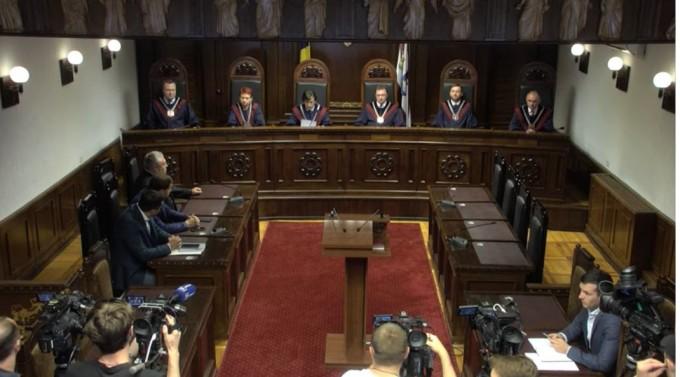 Judecătorii Curții Constituționale pleacă