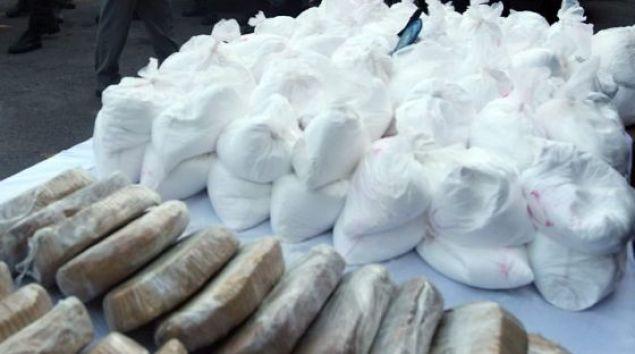 Circa 16 tone de droguri, confiscate la bordul unui vas în portul Philadelphia