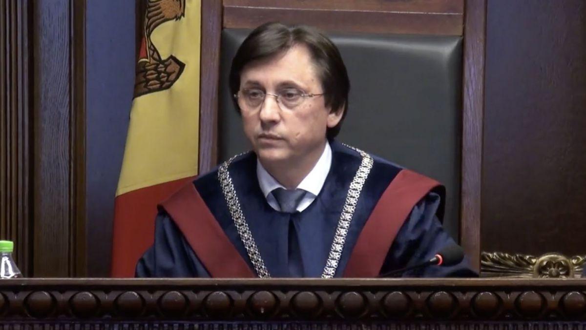 Poalelungi și-a dat demisia de la Curtea Constituționale