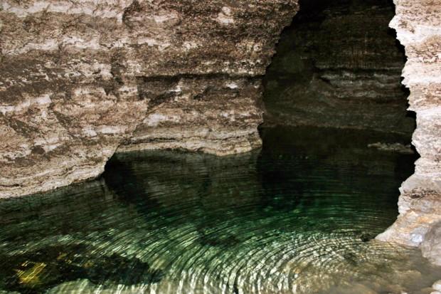 """Curiozitatea curiozităților!  Știați că  Peștera """"Emil Racoviță"""" din Criva este a treia cea mai mare peșteră de ghips din lume ?"""