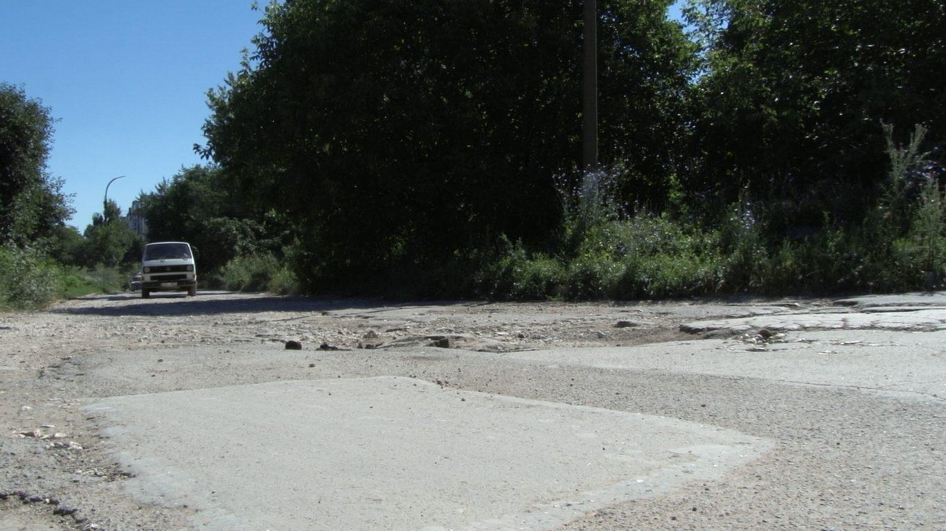 VIDEO | Strada Lesecico din Bălți arată ca după bombardament