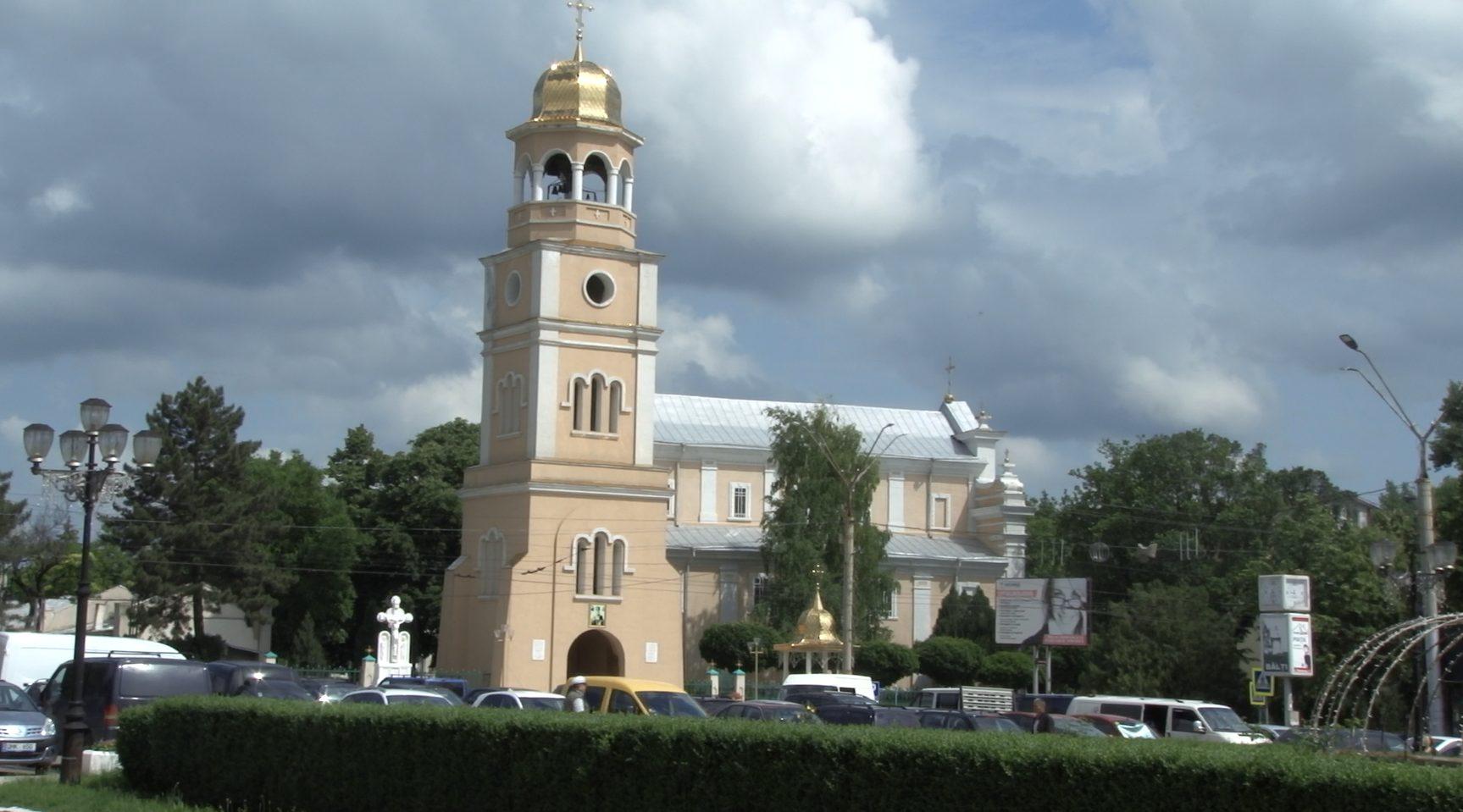 VIDEO | Bălțenii consideră că Biserica trebuie să plătească impozite