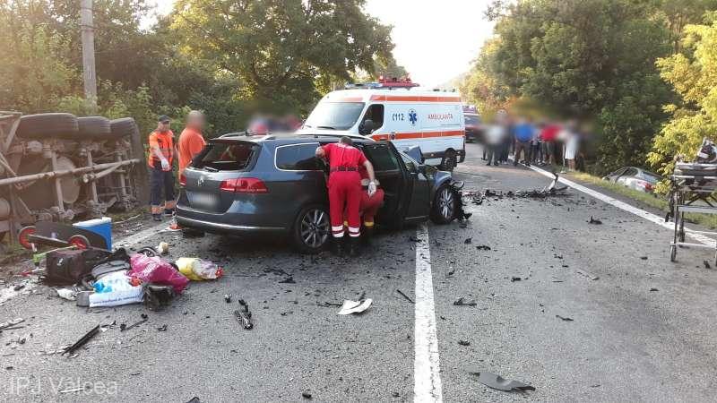 Doi cetățeni moldoveni au decedat în România, într-un accident rutier. Mașina în care se aflau s-a izbit de o cisternă