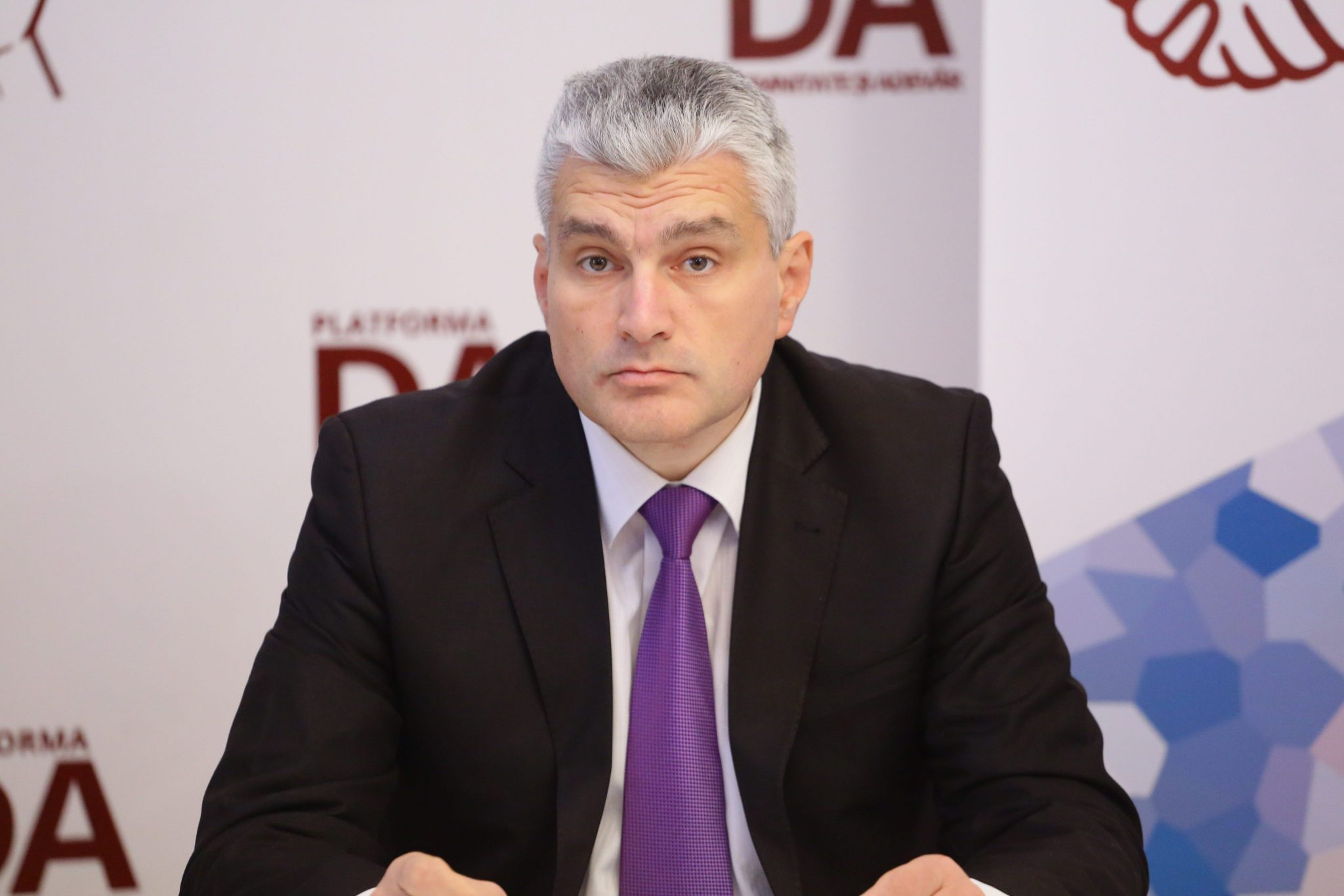 Слусарь: Газ, поступающий из России, всегда пахнет шантажом