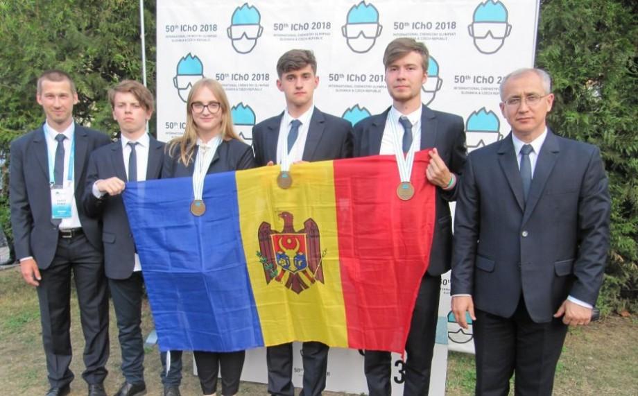 Elevi din R. Moldova au obținut medalii de bronz la Olimpiada Internațională de Chimie