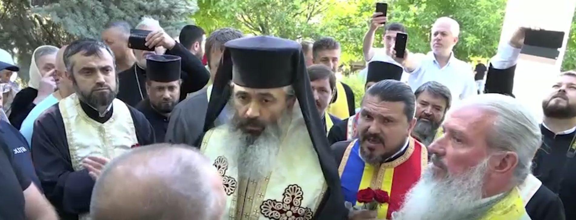 Anatol Moraru // Cum preoții de la Bălți au transformat comemorarea deportaților într-un spectacol penibil